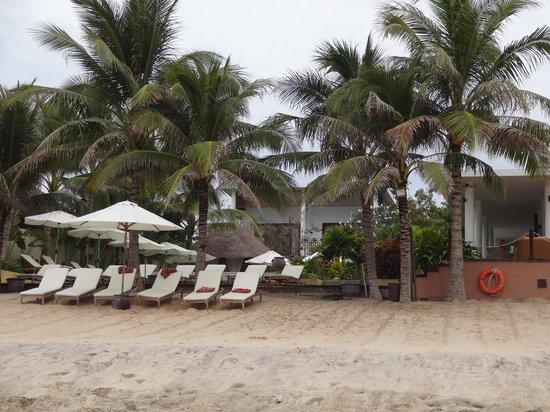 Villa Aria Muine : лежаки у моря