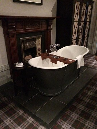 Malmaison Aberdeen: Bath in Junior Suite room 32