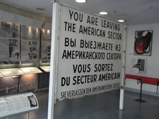 Mauermuseum - Checkpoint Charlie : American Zone sign
