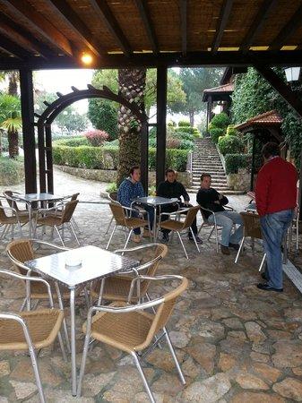 O Casarao: you can smoke outside the dinning room, enjoying the nice garden
