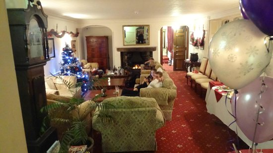 Nent Hall Country House Hotel: The larger of the two lounges