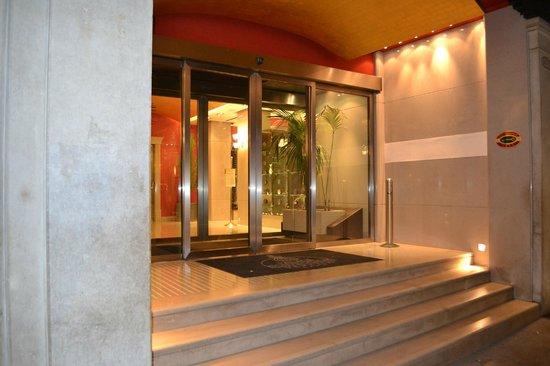 Palace Bonvecchiati: Entrée de l'Hôtel