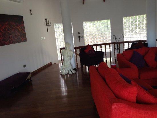 Petit Amour Villa: Le salon supérieur