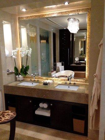 One&Only The Palm Dubai: Bathroom - Beach premiere room