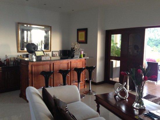 Petit Amour Villa: Salon au rez