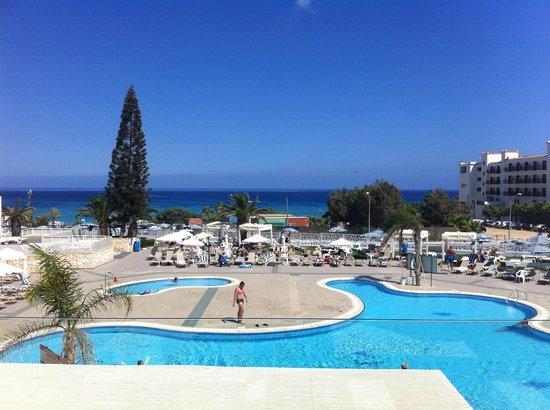 Odessa Beach Hotel: Вид с террасы на 2-ом этаже