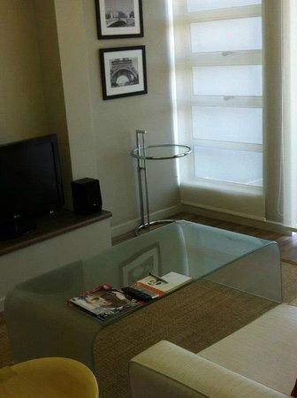 Genesis All-Suite Hotel: living room