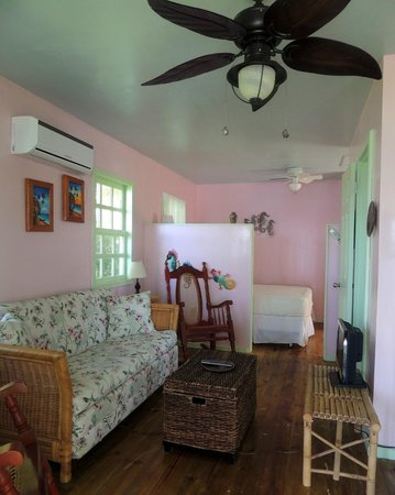 Guanaja Caribbean Cottages Resort: Comfortable accomadations