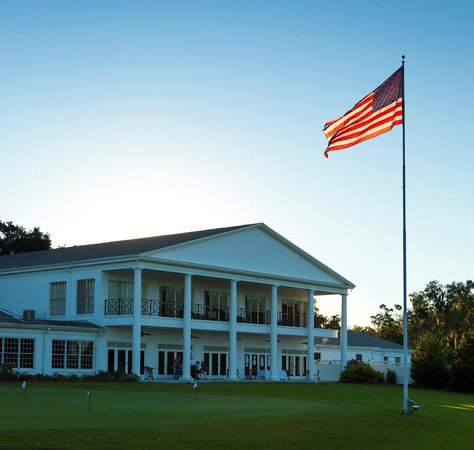 Ocala National Golf Club: Back of the Club House and Restaurant at Ocala National