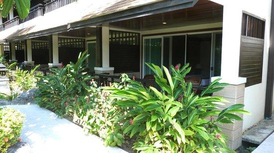 Phi Phi Banyan Villa: terrasse de la chambre