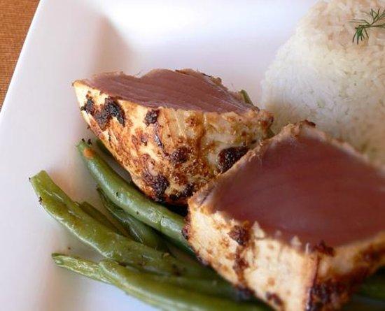 Manta Raya Hotel: Seared Tuna Steak