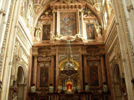 Mezquita-Catedral de Córdoba: Interior da Mesquita-Catedral