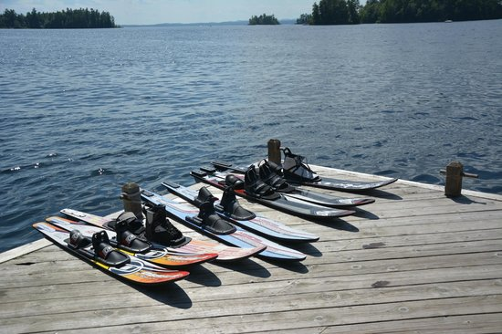 Migis Lodge: waterski dock