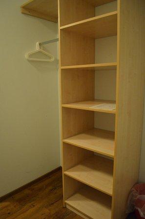 Happy Bed Hostel: Open closet/shelves