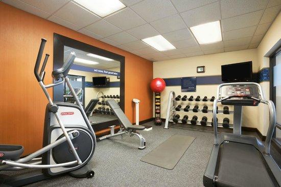 Hampton Inn Bedford : Fitness Center