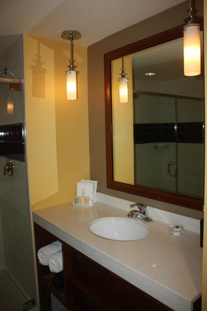 Hotel Urbano: Bathroom