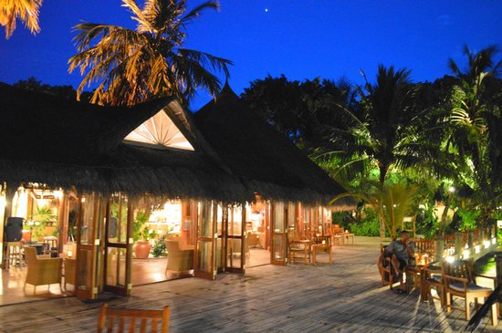 un restaurant picture of kuramathi island resort kuramathi tripadvisor. Black Bedroom Furniture Sets. Home Design Ideas