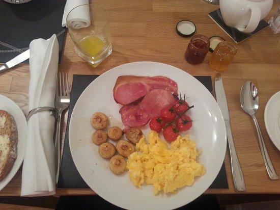 Aspen Lodge Bed & Breakfast: My breakfast  :)