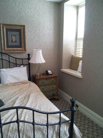 Nicollet Island Inn : Room