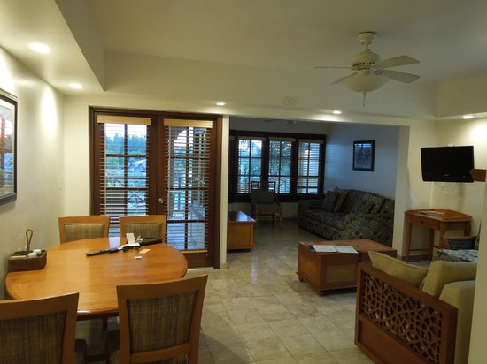 Taino Beach Resort & Clubs: The Marlin 1BR living room