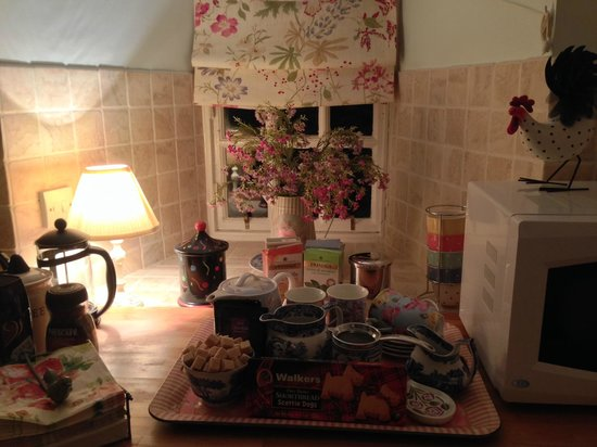 Pilrig House: Kitchen and all the goodies. Yum!