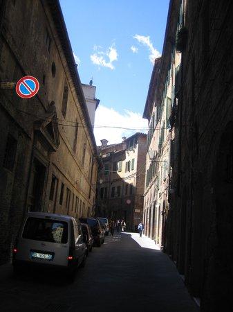 Grand Hotel Continental: El Patio, Siena, belíssimo