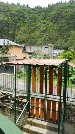La Casa Verde- Eco Guest House: Puerta principal