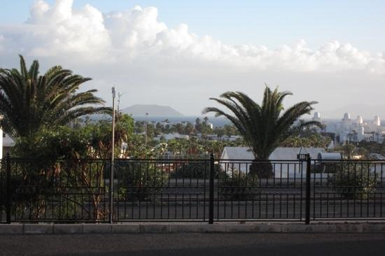 Jardines del Sol: Uitzicht op Los Lobos en Fuerteventura vanaf bungalow 2A
