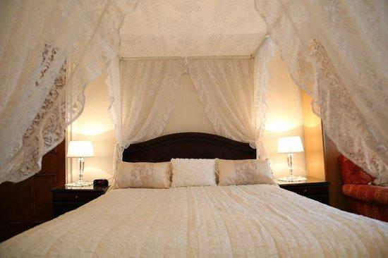 Ecosse International Guesthouse Edinburgh: Bedroom ensuite