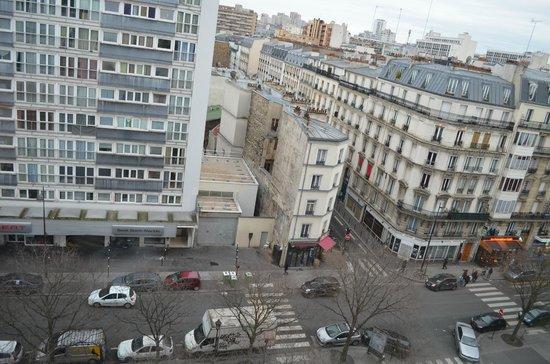 Campanile Paris 19 - La Villette : top floor view from the front of hotel