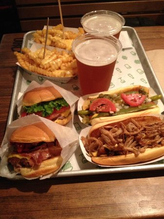 Shake Shack Theater District: Hamburgers et Hot dogs