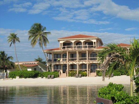 Coco Beach Resort: Unit Building