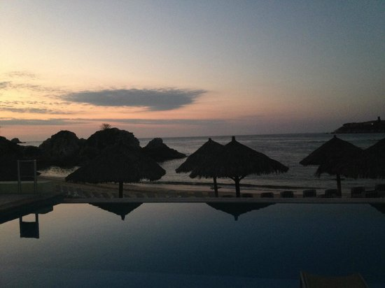 Dreams Huatulco Resort & Spa: Tranquil sunrise