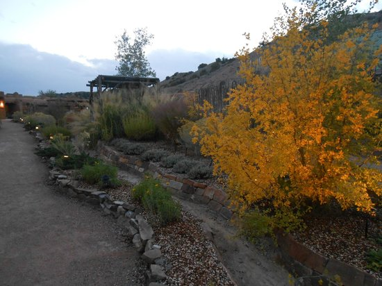 Ojo Caliente Mineral Springs Resort and Spa : to suites
