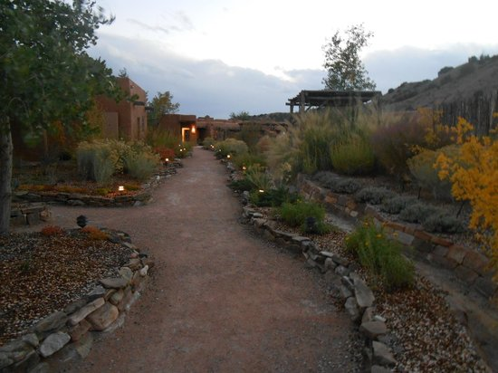 Ojo Caliente Mineral Springs Resort and Spa : path from main house to suites