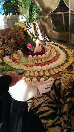 Travellers Beach Hotel & Club: FOOD DISPLAY