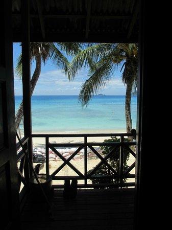 Senja Bay Resort: Vue du bungalow