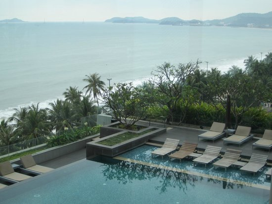 Sheraton Nha Trang Hotel and Spa: View from pool area