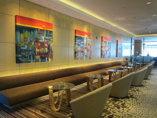 Sheraton Nha Trang Hotel and Spa: art work /decor in common area