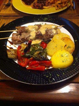 Pinotage Restaurante and Cafe: Brocheta de solomillo