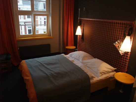 Superbude Hotel Hostel St.Pauli: Doppelbett