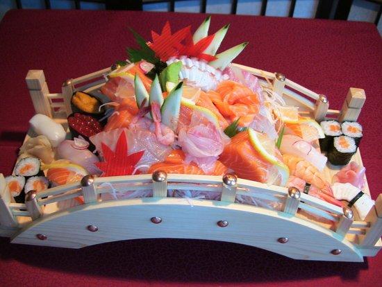 Bishoku Kobo di Aiuchi San: Ponte di sushi e sashimi
