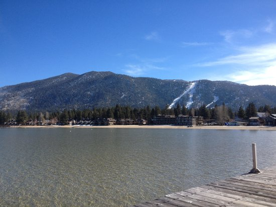 Beach Retreat & Lodge at Tahoe: Opposite side of the pier view