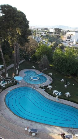 Menzeh Zalagh Hotel: Jardin y pileta