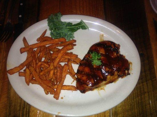 Gun Barrel Steak & Game House : Mesquite BBQ Chicken w/Sweet Potato Fries