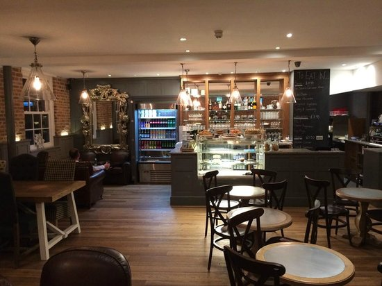 The coffee house bar at the rest lincoln restaurant for Hotel espresso