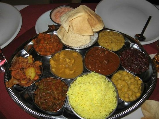 Curry Insel: mixed plate