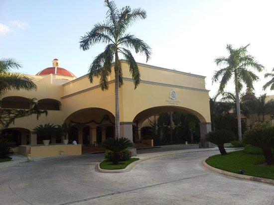 Hacienda Tres Rios : Front Entrance