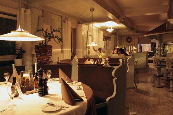 Tiffany's Steakhouse: Restaurant