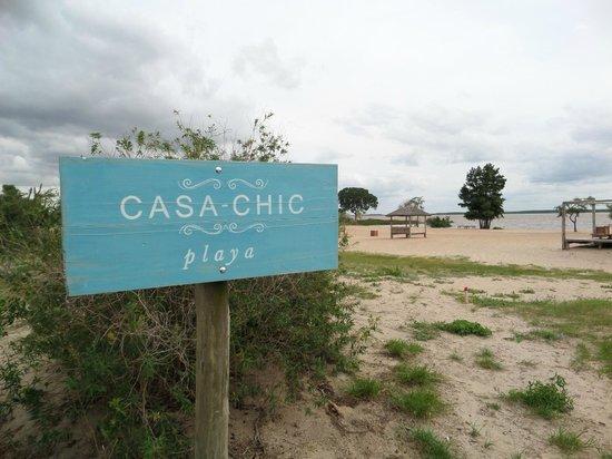 Casa Chic: Entrada a la playa